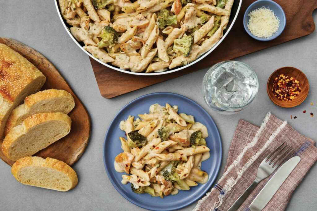 One Pot Creamy Chicken Alfredo with Broccoli